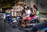 Napoli, Itlay Italian Family of four